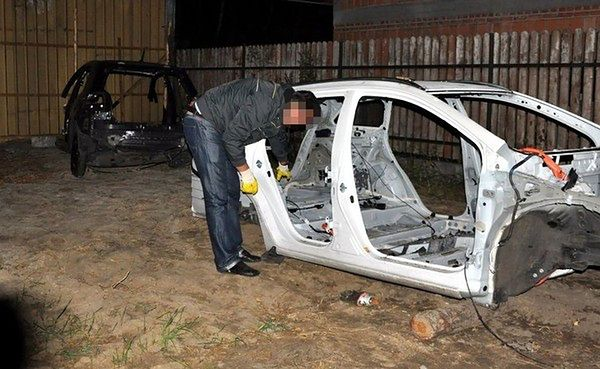 Policjanci rozbili zorganizowany gang samochodowy