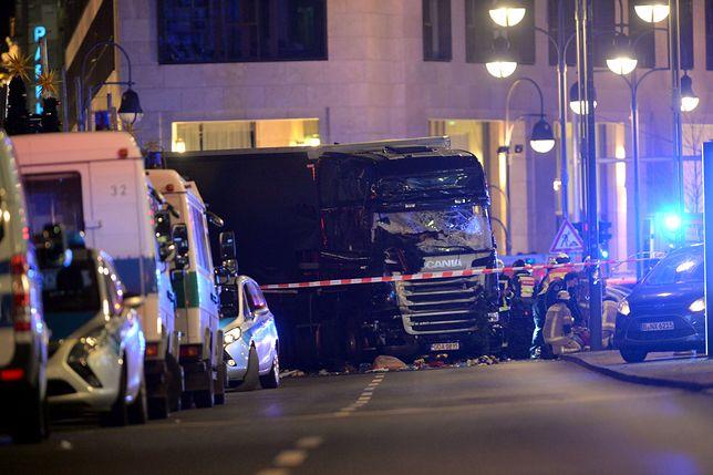 W zamachu na jarmark w Berlinie zginęło 12 osób, w tym Polak - kierowca porwanej ciężarówki