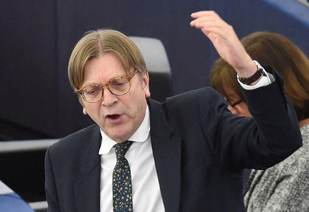 Europoseł Guy Verhofstadt podczas debaty o sytuacji w Polsce.