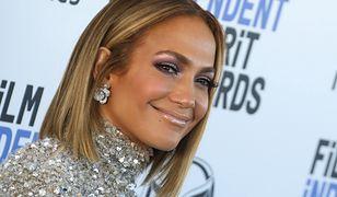 Jennifer Lopez w skórzanym komplecie