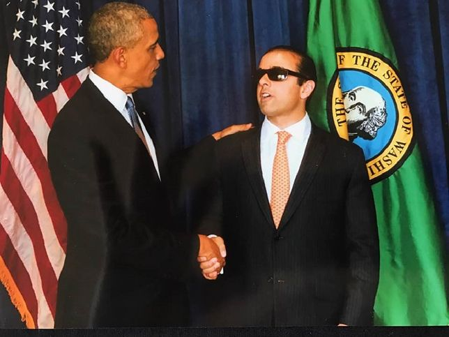 Barack Obama i Cyrus Habib (2016 r.).