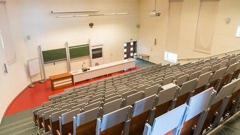 E-learning na polskich uczelniach w czasie pandemii. Sprawdziłem, czy są na to gotowe