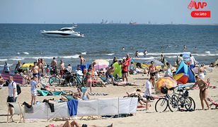 Zagraniczne kurorty kuszą piękną pogodą, ale swojski Bałtyk też ma urok przyciągający tłumy