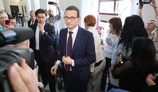 Premier Mateusz Morawiecki po rozmowach z opiekunami niepełnosprawnych