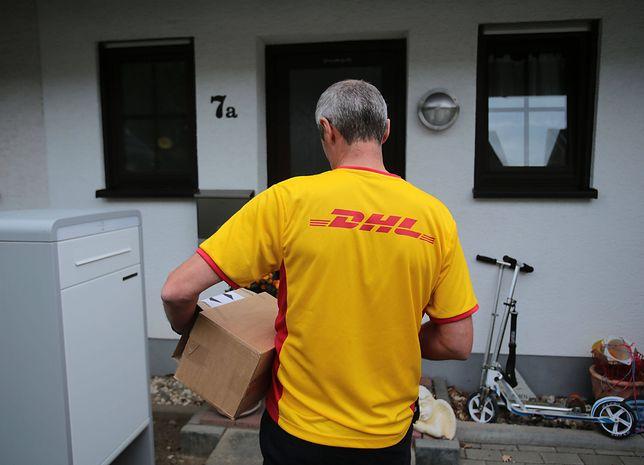 Wielu internautów rezygnuje z zakupów, gdy jedyną formą dostawy jest przesyłka kurierska