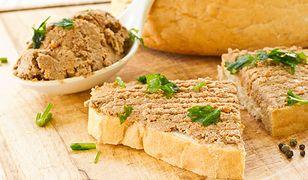 """Smarowidło z warzyw i mięsa z rosołu wpisuje się w tegoroczny trend kulinarny """"zero waste""""."""