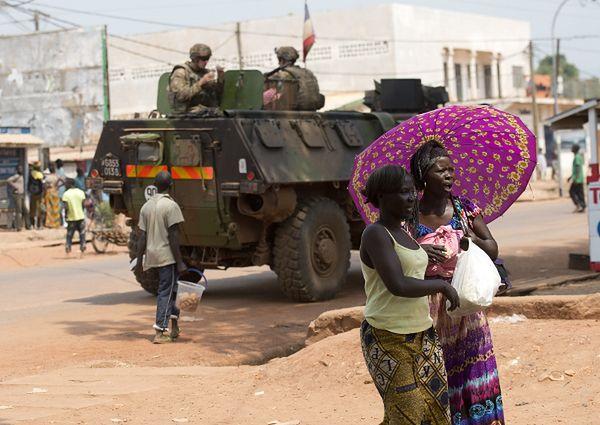 Wóz opancerzony francuskich sił w Bangi
