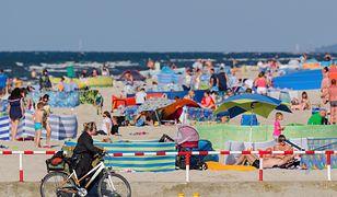Sposoby Polaków na tanie wakacje. Można oszczędzać, ale czy warto?