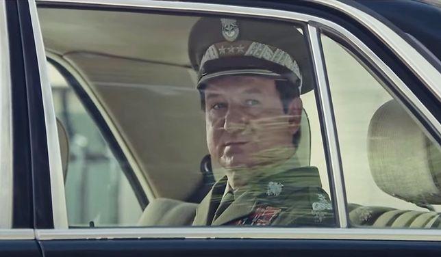 """Robert Więckewicz w filmie """"Żeby nie było śladów""""."""