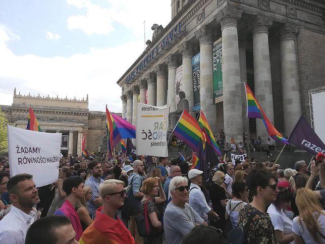 Wiece przeciw homofobii i przemocy. Warszawa Solidarna z Białymstokiem