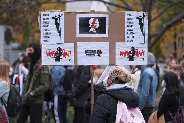 Protesty w Warszawie. Pod Sejmem rozpoczął się kolejny protest