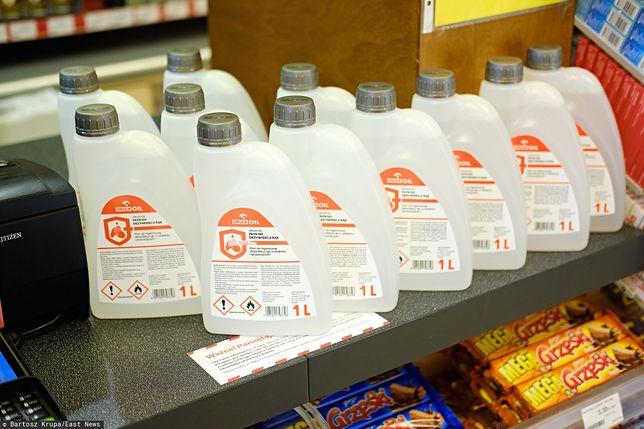 Płyn do dezynfekcji Orlenu znalazł się na półkach w sieciach handlowych po zawyżonej cenie