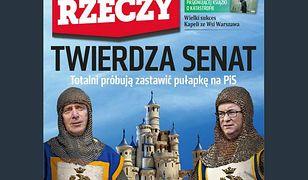 """Okładka tygodnika """"Do Rzeczy"""". Grzegorz Schetynę i Włodzimierz Czarzasty jako rycerze walczący w Senacie"""