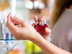 Błędy, które popełniamy podczas wybierania perfum