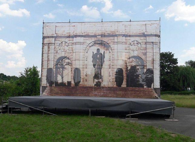 Konstrukcja z wizerunkiem pomnika oburzyła Jaśkowiaka