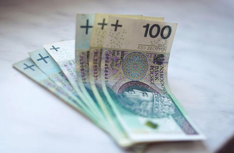 ZUS zakończył waloryzację emerytur. Ile zyskali Polacy?