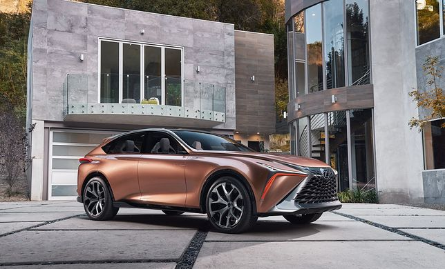 Lexus LF-1 Limitless pokazuje, że SUV-y stają się alternatywą dla limuzyn.