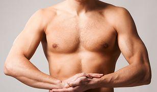Jakie ćwiczenia na klatkę piersiową warto wykonywać?