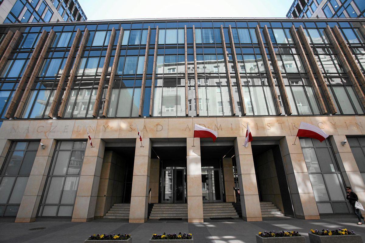 Naczelny Sąd Administracyjny zarządził wstrzymanie wykonania kolejnych uchwał KRS