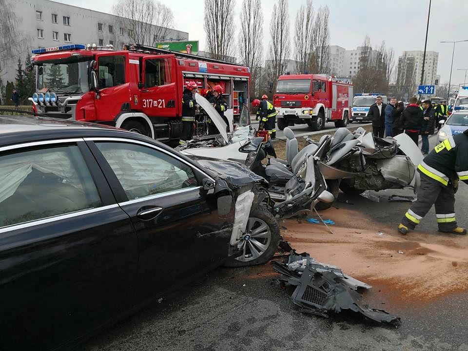 Poważny wypadek na Ursynowie z udziałem dyplomaty. Są ranni