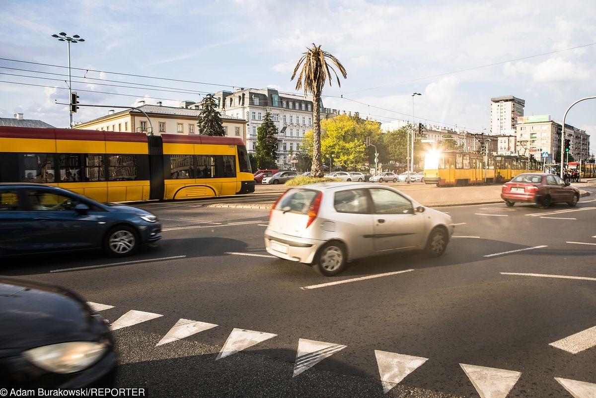Śródmieście. Zmarł pasażer tramwaju. Duże utrudnienia w porannych godzinach szczytu