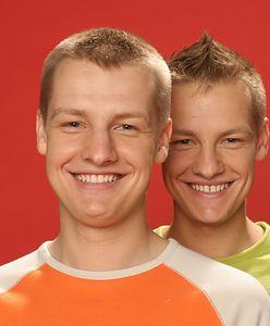 """To nie bracia Mroczek mieli zagrać bliźniaków Zduńskich w """"M jak miłość"""". Propozycję początkowo dostał ktoś inny"""