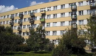 Okradł mieszkanie wchodząc przez balkon na... drugim piętrze