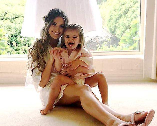 Laura i jej córeczka, którą urodziła w wieku 19 lat