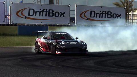 W GRID: Autosport pojeździmy bokiem