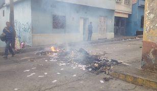 Mieszkańcy Meridy palili banknoty, by pokazać, że są bezwartościowe.