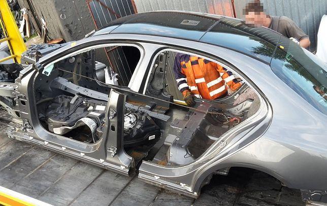 Kradli auta w Wielkiej Brytanii, demontowali w lesie nieopodal Białegostoku