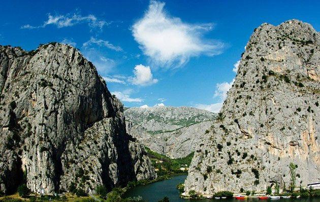 Omiš w okolicach Splitu