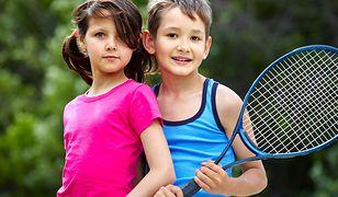 Bawi i rozwija. 8 powodów, dla których tenis jest idealnym sportem dla dziecka