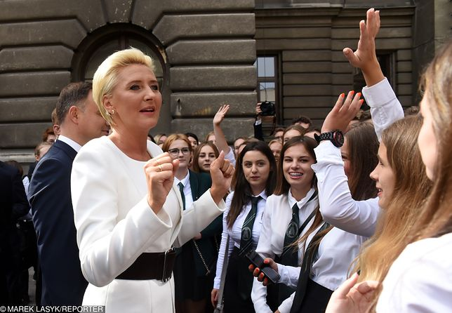 Zdjęcie z września 2018 r. z obchodów 135-lecia szkoły, w której uczyła Agata Kornhauser-Duda