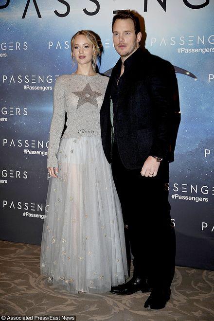 LOOK OF THE DAY: Jennifer Lawrence w baśniowej kreacji Diora