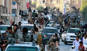 Parada Państwa Islamskiego w ar-Rakce, 2014 r.