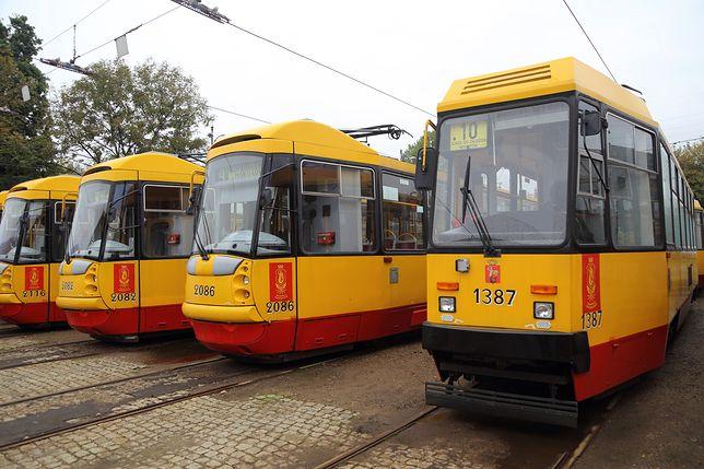 Do tramwaju w Warszawie weszła muzułmanka z dwójką dzieci. Potem stało się coś niezwykłego