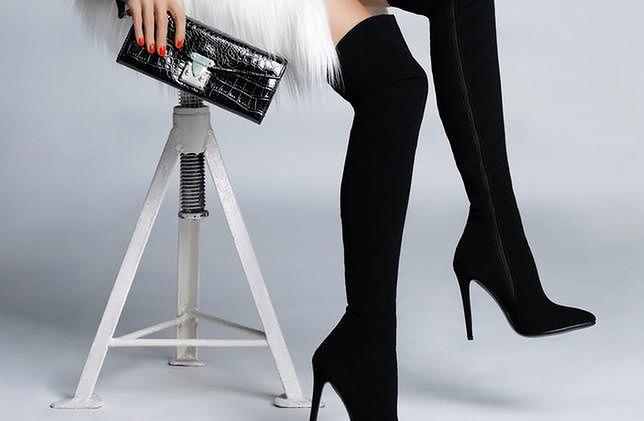 Muszkieterki idealne do mini. Noś, nawet jeśli nie masz nóg modelki