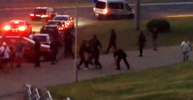 Napięta sytuacja na Białorusi. Starcia z milicją i powyborcze protesty