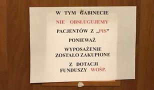 Lekarz z Gdyni (woj. pomorskie) wywiesił powyższą kartkę na drzwiach swojego gabinetu