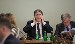 Andrzej Soźnierz ma kontrowersyjny pomysł na skrócenie kolejek.