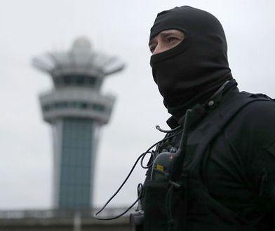 Francja: odpowiedzialny za strzelaninę na lotnisku był pod wpływem alkoholu i narkotyków