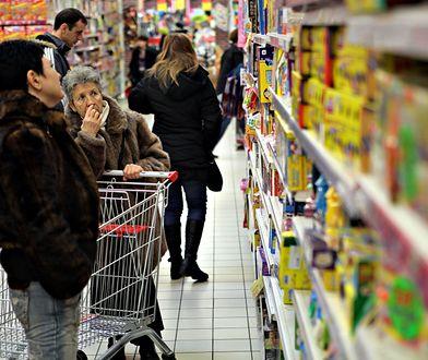Zakupy w supermarkecie przed niedzielami wolnymi od handlu
