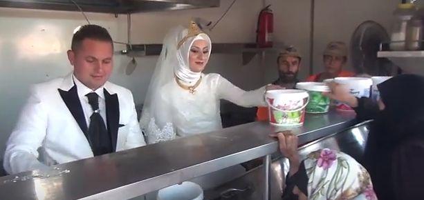 Młoda para zamiast wesela zorganizowała ucztę dla uchodźców z Syrii