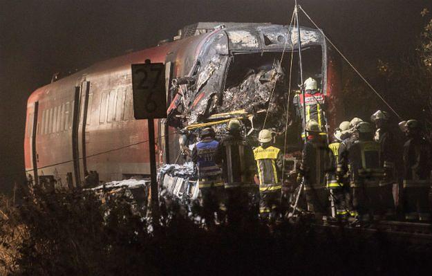 Niemcy: rozpędzony pociąg zderzył się z ciężarówką. 2 osoby nie żyją