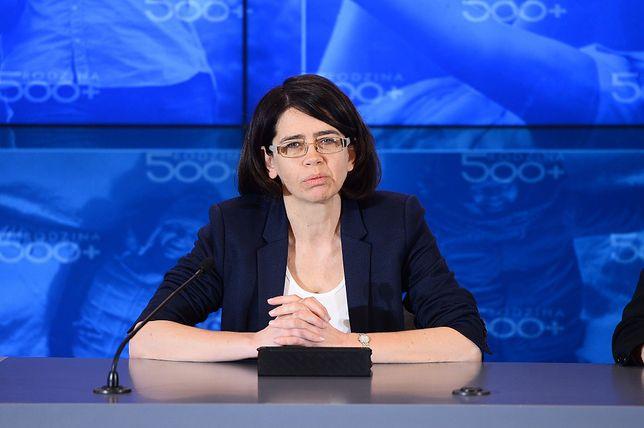 Anna Streżyńska miała stłuczkę. Wizyta minister w Nowym Wiśniczu z przygodami