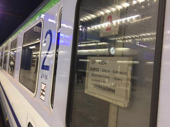 """""""Dziwne"""" Pendolino na trasie do Gdyni. Intercity wypuściło na tory zwykły pociąg"""