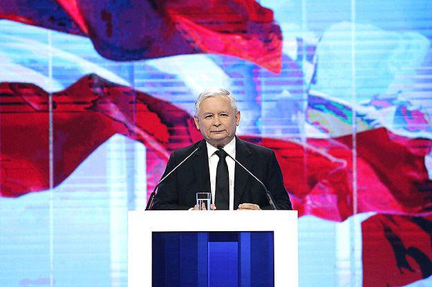 Jarosław Kaczyński przed Pałacem Prezydenckim: stanie tu pomnik Lecha Kaczyńskiego