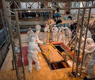 Otwarcie sarkofagu w Moguncji