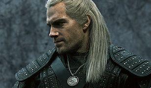 Wiedźmin Geralt ze srebrnym mieczem